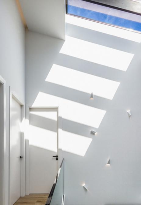 Doble altura casa de pueblo moderna de Chiralt Arquitectos Valencia