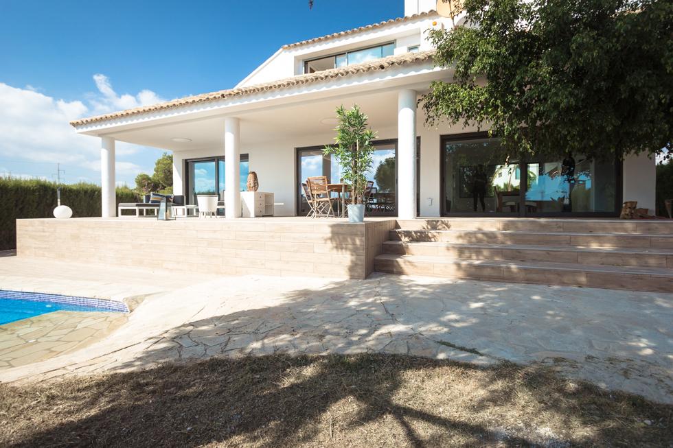 Reforma terraza con escaleras y piscina en vivienda mediterranea | Chiralt Arquitectos Valencia | Casa March